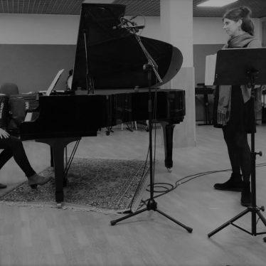 """""""Entrelace"""" è il primo album di Juliana Azevedo e Ludovica Vincenti"""